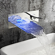 Moderne Vægmonteret LED / Vandfald with  Keramik Ventil Enkelt håndtere to Huller for  Krom , Håndvasken vandhane