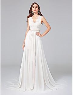 A-vonalú V-nyakkivágás Udvari uszály Sifon Csipke Esküvői ruha val vel Csipke Pántlika / szalag Gomb által LAN TING BRIDE®