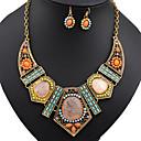 זול סט תכשיטים-בגדי ריקוד נשים שרשראות סט תכשיטים - שרף, אבן נוצצת בוהמי, אפריקה, צבעוני לִכלוֹל שרשראות הצהרה / עגילים משתלשלים קשת עבור Party / חופשה