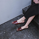 tanie Damskie obuwie sportowe-Damskie PU Lato Bez pięty Chodaki i klapki Płaski obcas Plac Toe Czarny / Czerwony
