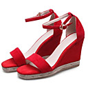 זול סנדלי נשים-בגדי ריקוד נשים סוויד קיץ נוחות סנדלים עקב טריז שחור / אדום
