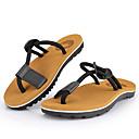 Недорогие Мужские сандалии-Муж. Полиуретан Лето Обувь через палец Сандалии Черный / Коричневый