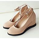 זול נעלי עקב לנשים-בגדי ריקוד נשים נעלי נוחות PU אביב עקבים עקב טריז לבן / שחור / שקד