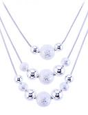hesapli Mini Elbiseler-Kadın's Açıklama Kolye katmanlı Kolyeler uzun Kolye Suda Yatma Top Bayan Moda büyükanne Som Gümüş Gümüş alaşım Beyaz Kolyeler Mücevher Uyumluluk Parti Günlük