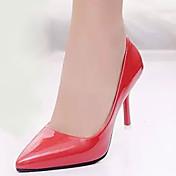 Mujer Zapatos PU Otoño Confort Tacones Paseo Tacón Stiletto Dedo Puntiagudo Combinación Blanco / Rojo