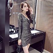 2016人の女性のセクシーなナイトクラブスリム薄型パッケージヒップ底ドレスタイトなローカットドレスに署名