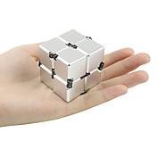 無限キューブ ハンドスピナー フィデット・トイ おもちゃ オフィスデスクのおもちゃ ADD、ADHD、不安、自閉症を和らげる キリングタイム ストレスや不安の救済 フォーカス玩具 ノベルティ柄 メタル 小品 N/A ギフト