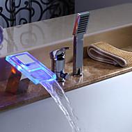 Современный Римская ванна Водопад Ручная лейка входит в комплект LED with  Керамический клапан Три отверстия Одной ручкой три отверстия