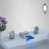 ieftine Robinete Chiuvetă Baie-Baie Chiuveta Robinet - Cascadă / LED Crom Întins Trei găuri / Două mânere trei găuri