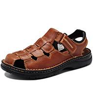 baratos Sapatos Masculinos-Homens Sapatos Pele Napa Primavera Verão Outono Conforto Sandálias Água para Casual Ao ar livre Social Preto Castanho Claro