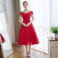 A-linje Skulderfri Te-længde Lace Over Satin Brudepigekjole med Blonde ved Embroidered Bridal
