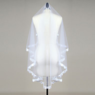 cheap Wedding Veils-One-tier Lace Applique Edge Scalloped Edge Wedding Veil Blusher Veils Fingertip Veils 53 Sequin Appliques Ruched Lace Tulle