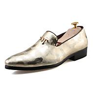 tanie Obuwie męskie-Męskie Buty PU Wiosna Jesień Comfort Mokasyny i pantofle Na Casual Gold Black Silver