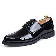 メンズ 靴 PUレザー オールシーズン コンテンポラリー クラシック・タイムレス ファッション オックスフォードシューズ 編み上げ 用途 パーティー 日常 ブラック バーガンディー