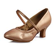 billige Moderne sko-Dame Moderne sko Lær / Kunstlær Sandaler / Høye hæler Spenne Kubansk hæl Kan spesialtilpasses Dansesko Svart / Sølv / Brun / Ytelse
