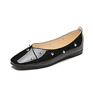 cheap Women's Flats-Women's Shoes Patent Leather Spring Fall Comfort Flats Flat Heel Round Toe Imitation Pearl for Casual Party & Evening Dress White Black