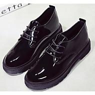 Feminino Sapatos Couro Envernizado Primavera Outono Conforto Oxfords Salto Baixo para Casual Preto Vermelho
