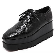 Feminino Sapatos Couro Ecológico Primavera Outono Conforto Oxfords Salto Plataforma para Casual Preto