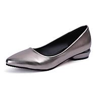 Feminino Sapatos Couro Ecológico Primavera Conforto Mocassins e Slip-Ons Sem Salto Dedo Apontado Tachas para Casual Preto Prateado