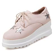 baratos Oxfords Femininos-Mulheres Sapatos Couro Ecológico Primavera Conforto Oxfords Sem Salto Ponta Redonda Branco / Preto / Bege