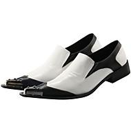 お買い得  メンズオックスフォードシューズ-男性用 靴 レザー 春 秋 フォーマルシューズ アイデア オックスフォードシューズ のために 結婚式 パーティー ブラックとホワイト