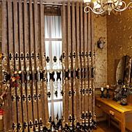 billige Gardiner ogdraperinger-gardiner gardiner Stue Geometrisk Bomull / Polyester Broderi