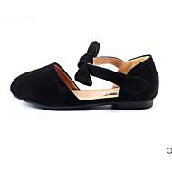 baratos Sapatos de Menina-Para Meninas Sapatos Courino Primavera Conforto / Sapatos para Daminhas de Honra Rasos para Preto / Bege / Rosa claro