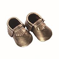 tanie Obuwie dziewczęce-Dla dziewczynek Obuwie Skóra bydlęca Lato / Jesień Buty do nauki chodzenia Mokasyny i buty wsuwane Frędzel na Dziecięce Złoty