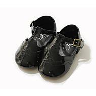 baratos Sapatos de Menina-Para Meninas Sapatos Pele Primavera & Outono Conforto / Sapatos para Daminhas de Honra Rasos para Preto / Vermelho / Rosa claro