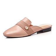baratos Sapatos Femininos-Mulheres Sapatos Pele Napa Primavera Verão Chanel Tamancos e Mules Salto Baixo Ponta Redonda Pérolas Sintéticas Preto / Rosa Claro
