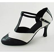 billige Moderne sko-Dame Moderne sko PU Sandaler / Høye hæler Spenne Utsvingende hæl Kan spesialtilpasses Dansesko Svart / Hvit