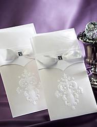Недорогие -Номера для персонализированных Открытка-карман Свадебные приглашения Образец приглашения-1 Шт./наборФормальный / Старинный / Цветочный