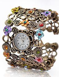 Dame Modeur Armbåndsur Quartz Legering Bånd Blomst Vintage Armring Elegant Bronze