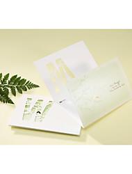 """Dreifach gefaltet Hochzeits-Einladungen 50-Einladungskarten Künsterlischer Stil Klassicher Stil Perlen-Papier 6 ½""""×4 ½"""" (16.6*11.5cm)"""