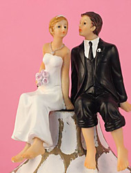 Bolo clássico Wedding Kissing Couple Topper