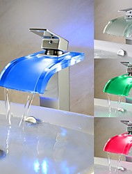 billige -Contemporary Color Changing LED Chrome Finish One Handle Waterfall Bathroom Sink Faucet