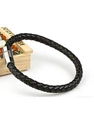 preiswerte -Herrenmode Persönlichkeit Titan Stahl Magnet Leder gewebt Armbänder