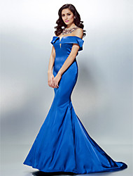 cheap -Mermaid / Trumpet Off-the-shoulder Sweep / Brush Train Stretch Satin Formal Evening Dress with Beading Crystal Detailing by TS Couture®