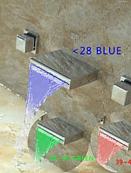 abordables -Contemporain Montage mural LED / Cascade with  Valve en laiton Deux poignées trois trous for  Chromé , Robinet lavabo