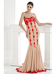 Mermaid / Trumpet Strapless Sweep / Brush Train Tulle Formal Evening Dress with Appliques by TS Couture®