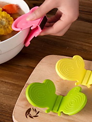 Kitchen Gadget Butterfly Silicone Insulation Clip / Anti-Hot Clip / Silicone Oven Mitt (Color Random)