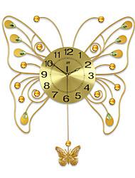 Недорогие -Новинки Модерн Настенные часы , Животные / Пейзаж / Свадьба / Семья Стекло / Металл 66cm x 58cm( 26in x 23in )