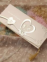 Недорогие -Тройной сгиб Свадебные приглашения-Пригласительные билеты Классический С сердцами Сказочный Розовая бумага