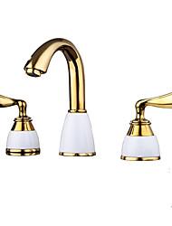 Недорогие -Ванная раковина кран - Широко распространенный Ti-PVD Разбросанная Две ручки три отверстияBath Taps / Фарфор