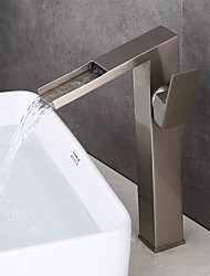 Недорогие -Ванная раковина кран - Вытяжной смеситель / Водопад / Широко распространенный Матовый никель По центру Одной ручкой Два отверстия