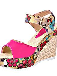 Dámské Sandály Pohodlné hrbit boty PU Podzim Zima Ležérní Pohodlné hrbit boty Nízký podpatek Bílá Béžová Červená Modrá 2.5 - 4.5 cm