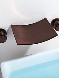 Недорогие -Ванная раковина кран - Водопад / Широко распространенный Начищенная бронза На стену Две ручки три отверстия / Латунь