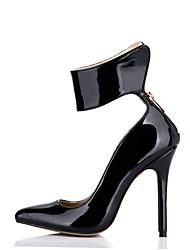 baratos -Mulheres Sapatos Couro Envernizado Primavera / Outono Conforto Saltos Salto Agulha Dedo Apontado para Casamento / Festas & Noite / Social
