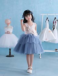 Ball Gown Knee Length Flower Girl Dress - Lace Satin Tulle Sleeveless V-neck with Flower