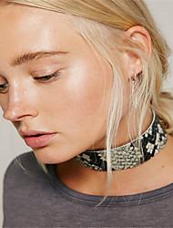Dame Kort halskæde Smykker Enlig Snor Læder Mode Personaliseret Euro-Amerikansk Sort Brun Smykker For Daglig Afslappet 1 Stk.
